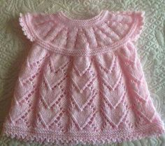 Discover thousands of images about tutorial chaquetas bebe ile ilgili görsel sonucuThis post was discovered by HUAll in one top down and Starting out dress - Kinder Kleidung Baby Dress Pattern Free, Baby Cardigan Knitting Pattern Free, Baby Dress Patterns, Baby Knitting Patterns, Knitting Baby Girl, Knitting For Kids, Crochet Baby, Knit Baby Dress, Knitted Baby Clothes