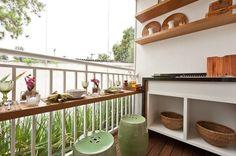 Decoração de Varanda Pequena . Como decorar um varanda Gourmet ou Grill com churrasqueira elétrica ou de carvão .Confira fotos Sacada barata e simples.