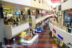 The mall has an astonishing 420 stores, as well as two cinemas and restaurants, and even hosts art exhibitions and other events.