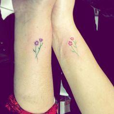 Madre e hija, mi esposa con su madre #tattoo #flowers #tatuaje #flor #natural #florsilvestre #madrehija