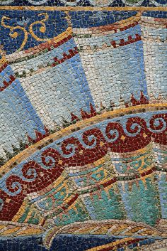 Detail of mosaic, Herculaneum...I love how slight color shade changes this looks like the wall is rippled. Tile Art, Mosaic Art, Mosaic Tiles, Mosaic Glass, Stained Glass, Glass Art, Ancient Rome, Ancient Art, Mosaic Crafts