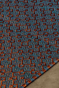 Handwoven Casablanca weave rug in Tayrona blue fique fiber and copper threads. #handwoven #handmade #rugs #rug #metalrug #fiberrug #tapete #colombiancraft Casablanca, Woven Rug, Handmade Rugs, Weave, Hand Weaving, Fiber, Copper, Metal, Crafts