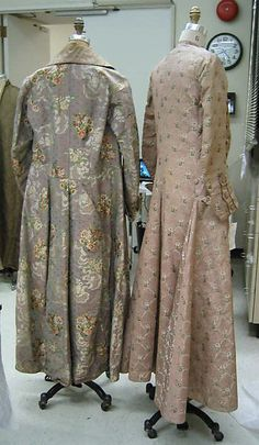 Dressing gown Date: 1820–30 Culture: French Medium: silk Dimensions: Length at CB: 62 in. (157.5 cm) Credit Line: Gift of Bachoo Woronzow, 1981 Accession Number: 1981.275