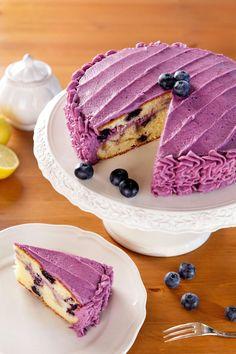 Dort jako z cukrárny: S borůvkami i lahodným krémem High Sugar, Blueberry Cake, Breakfast Bake, Sweet Cakes, Homemade Cakes, Panna Cotta, Sweets, Baking, Ethnic Recipes