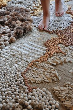 Fiber Rugs by Frédérique Breuillé Textile Texture, Textile Fiber Art, Textile Artists, Diy Carpet, Rugs On Carpet, Carpets, Stair Carpet, Techniques Textiles, Sculpture Textile