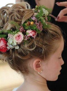 ❀ Fanciful Flower Girls ❀ dresses & hair accessories for the littlest wedding attendant :-) flowery updo