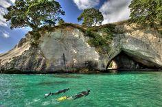 Coromandel beaches: Cathedral Cove, New Zealand