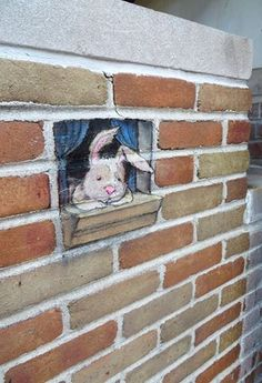 Chalk Art par David Zinn - Idea of individual small artist pieces randomly painted or added along pearl? Similar to the miniature model idea in the brick courses...May be a call to artists type deal?