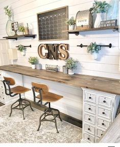 Excellent Cost-Free Farmhouse Chic office Suggestions Farmhouse chic is all the … - Home Office Furniture Home Office Desks, Office Furniture, Pipe Furniture, Diy Office Desk, Office Shelving, Furniture Design, Furniture Dolly, Work Desk, Furniture Vintage