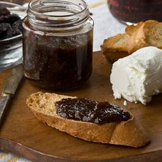 Quick Recipe: Mission Fig Jam Recipes from The Kitchn. Looks easy and delicious. Fig Spread, Sauces, Dried Figs, Dried Fruit, Fresh Figs, Fig Jam, Jam And Jelly, Yummy Food, Marmalade