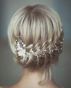 Very good hairstyle for a formal occasions like wedding of your best friend. Long hair has always been a symbol of femininity. It was always in vogue. Many people do not pay much attention to their hair, believing it is… Continue Reading →