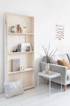 In dit blog laat ik jullie zien hoe je je eigen pronkrek van hout kunt maken. Een ruimte om al je spulletjes uit te stallen die te mooi zijn om in de kast te zetten!