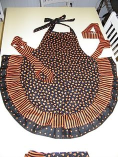 Adventures-In-Mommy-Land: Super Cute Fall/Halloween Apron. instructions on blog