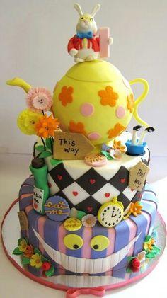 Alice in wonderland cake :D