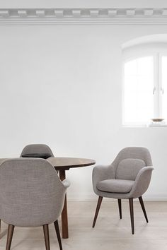 Shop the Swoon Dining Chair and more contemporary furniture designs by Fredericia Furniture at Haute Living. Danish Furniture, Contemporary Furniture, Side Chairs, Dining Chairs, Desk Chairs, Dining Room, Chair Design, Furniture Design, Sustainable Furniture