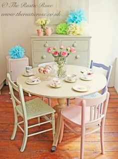 Beautiful pastel table & chairs