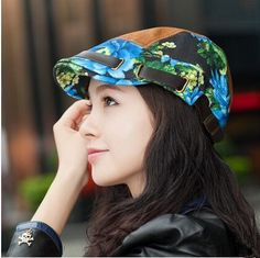 Womens flower flat cap for spring and autumn