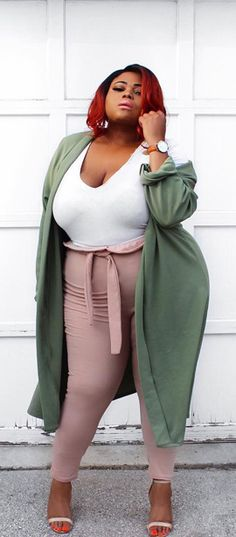 33+ Curvy Outfit Ideas from the Top Influencers   FASHIONTERA