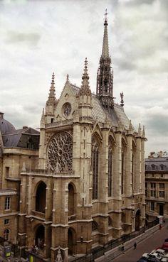 sainte+chapelle.jpg (1023×1600) #gothicarchitecture