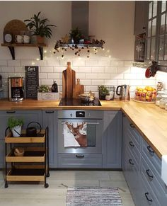 surprising small kitchen design ideas and decor 26 ~ mantulgan.me surprising small kitchen design i. Kitchen Interior, Kitchen Worktop, Kitchen Design Small, Farmhouse Kitchen Canisters, Kitchen Remodel, Kitchen Decor, Home Kitchens, Kitchen Renovation, Kitchen Design