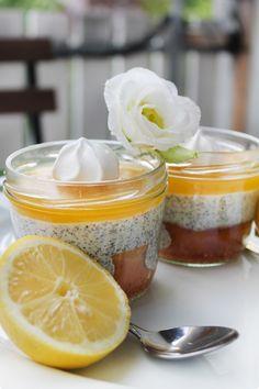 Zitronenkuchen mit Mohnquarkcreme und Lemoncurd - im Glas