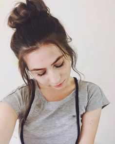 Dodie Clark. Love her hair here. Hopefully some of my pastel ombre will show though too.