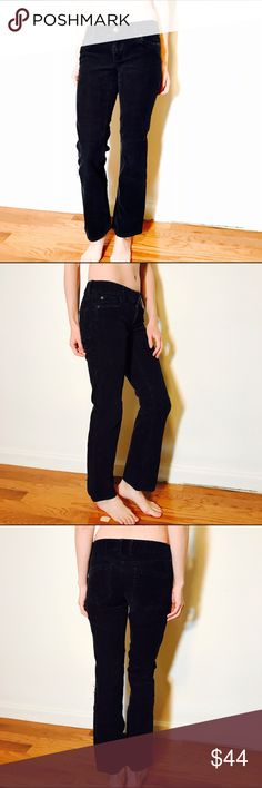 """J. CREW STRETCH BOOTCUT CORD DARK BLU FAV FIT #263 J.CREW, Size 2S, dark blue corduroy pant.  CONDITION: EUC No issues.  CHEST:  WAIST: 29"""" LENGTH: 37"""" INSEAM: 29.5"""" *All measurements taken while item is laid flat (doubled when necessary) and measured across the front  MODEL: 5'8""""  MATERIAL: Cotton Spandex  STRETCH: Minimal INSTAGRAM @ORNAMENTALSTONE 🚫Trading J. Crew Pants Boot Cut & Flare"""