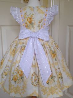 Girls dress age 2 lemon/yellow roses with broderie by LilyrhodesUK Baby Girl Party Dresses, Little Dresses, Little Girl Dresses, Baby Dress, Cute Dresses, Girls Dresses, Baby Girl Patterns, Frock Fashion, Frocks For Girls