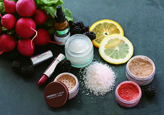 Gluten-Free Beauty | Natural Beauty Skin Care & Cosmetic Brands | Photography by Kelsey Lyon | #OrganicSpaMagazine