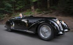 Described as the ultimate Italian sports car of its generation, this ultra-rare 1939 Alfa Romeo with open bodywork by Touring is expected to fetch almost £ Alfa Romeo 8c, Alfa Romeo Spider, Alfa Romeo Cars, Vintage Cars, Antique Cars, Automobile, Expensive Cars, Sport Cars, Luxury Cars
