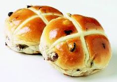 Hot Cross Buns - Bread Baking Classes in Singapore Cross Buns Recipe, Bun Recipe, Great British Food, Baking Classes, Hot Cross Buns, Caribbean Recipes, Caribbean Food, Bakery Recipes, Easter Treats