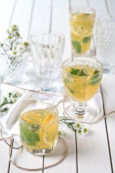 Limoncello spritz (Eau, Sucre, Basilic, Citron, 1 bouteille de crémant, Limoncello)