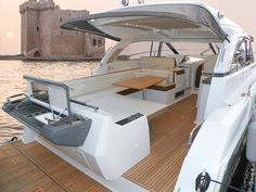 The best cockpit for entertaining is on the Leader Grill, sunbed, retractable swim platform. Luxury Yachts For Sale, Yacht For Sale, Boats For Sale, Buy A Yacht, Inflatable Island, Yacht Broker, Best Boats, Power Boats, Decks