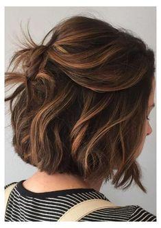 Caramel Balayage, Brown Hair Balayage, Brown Blonde Hair, Hair Color Balayage, Hair Highlights, Black Hair, Short Dark Brown Hair With Caramel Highlights, Short Caramel Hair, Brunette Balayage Hair Short