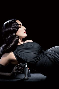 Dita Von Teese. Hair by Laurent Philippon. Photo Ali Mahdavi, 2012.  Photo:     Ali Mahdavi