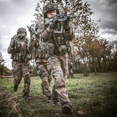 Future Soldier, French Army, Action Poses, Special Forces, Military Fashion, Airsoft, Camouflage, Sci Fi, History