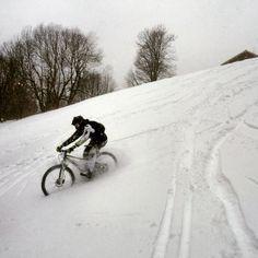 White #downhill Photo by @bohumilvacek on IG #cycling #cycle #cross #offroad #mtb #mountainbike #mountain #snow #bike #biking #bicycle #ride #nature