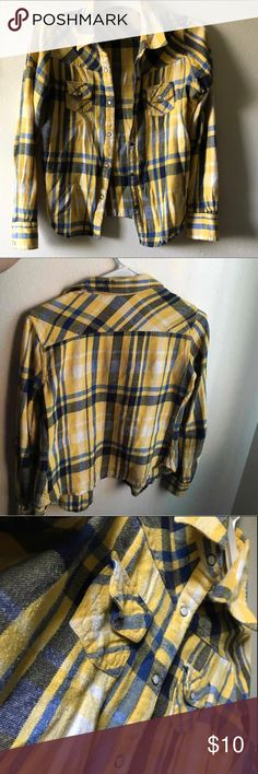 Women's Mossimo Yellow and blue plaid flannel Women's Yellow and Blue Mossimo plaid button down shirt in good condition, no stains, no holes, no peeling Mossimo Supply Co Tops Button Down Shirts