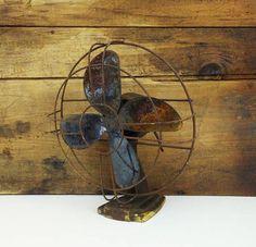 Vintage metal fan for prop or refurbish / Rustic decor / Rusty