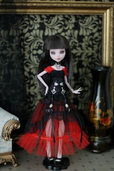 Steampunk negro y rojo / tamaño 1/6 del gótico vestido con corsé para la muñeca de Monster High /EAH