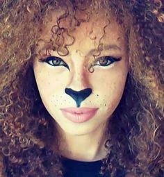 Amazing Lion makeup tutorial for halloween! What do you guys thin Halloween Gif, Halloween Costumes, Halloween Tutorial, Halloween Halloween, Youtube Halloween, Pretty Halloween, Halloween Carnival, Carnival Costumes, Lioness Makeup