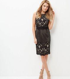 http://www.newlook.com/fr/shop/womens/dresses/black-lace-layered-bodycon-midi-dress-_372126709