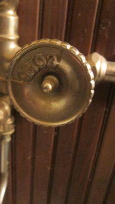 faucet handle close