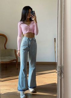 Cute Casual Outfits, Summer Outfits, Stylish Outfits, Casual Clothes, Bell Bottom Jeans, Teen Fashion Outfits, Girl Outfits, Outfits For Teens, New Outfits