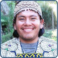Pasquel, a Shipibo artisan