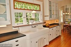 View 60 photos of this 4 bed, 1.0 bath, 1927 sqft single family home located at 10302 Fawcett St, Kensington, MD 20895 that sold on 7/24/14 for $1,230,000
