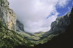 Aragon Pyrenees. 3,355 meters massif of Monte Perdido. With the peaks of the Three Sorors, where the valleys are born Ordesa, Pineta, Añisclo and Escuaín.