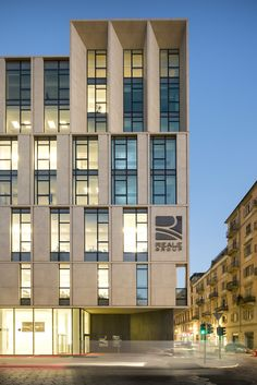 Gallery of Reale Group Office Building / Iotti + Pavarani Architetti + Artecna - 14