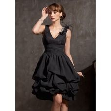 A-Line/Princess V-neck Knee-Length Chiffon Lace Cocktail Dress With Ruffle Beading Feather - Front View