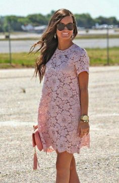 Blush Lace (For All Things Lovely) Spring/ Summer dresses: Beautiful, dainty Max Azaria blush pink lace shift dress with matching clutch and gold jewelry Classy Outfit, Classy Clothes, Classy Casual, Classy Chic, Stylish Clothes, Casual Clothes, Fashion Clothes, Wedding Guest Style, Trendy Wedding